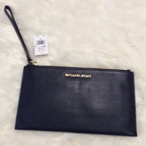 New MICHAEL KORS Black Leather Clutch Wristlet BAG